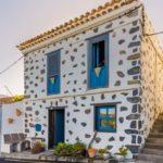 Fassade, Casa Adoración