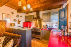 Cocina, Casa Adoración