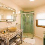 Bathroom, La Fortaleza, Caserío de la Playa